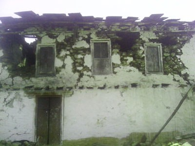 earthquake damage home